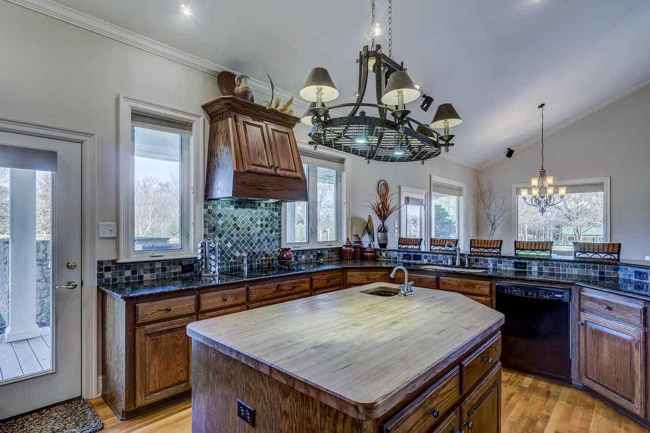 Okno w kuchni – aranżacja