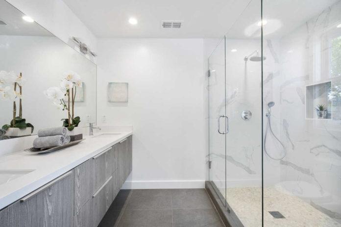 Łazienka - jak ją dobrze oświetlić