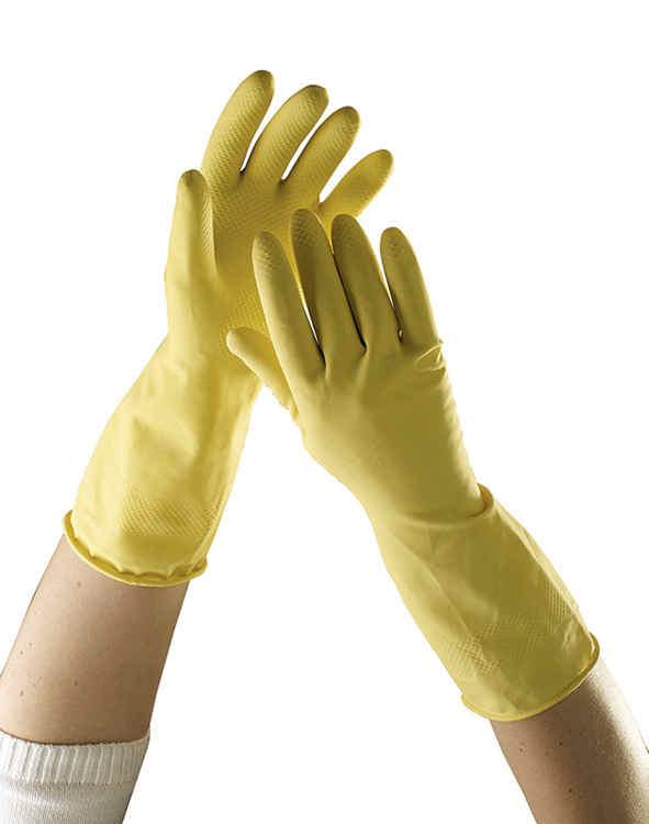 Jak chronić skórę przed detergentami podczas sprzątania
