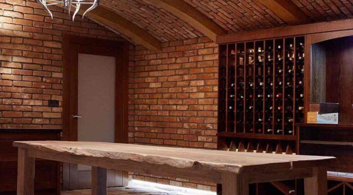 Jaki stół do winiarni - Tradycja czy nowoczesność