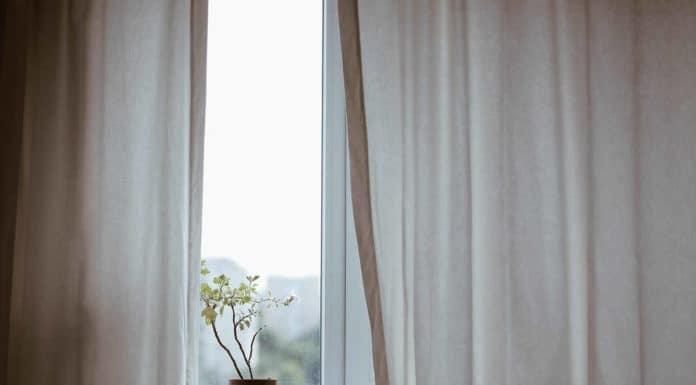 Okna plastikowe czy drewniane Jakie okna wybrać do domu mieszkania