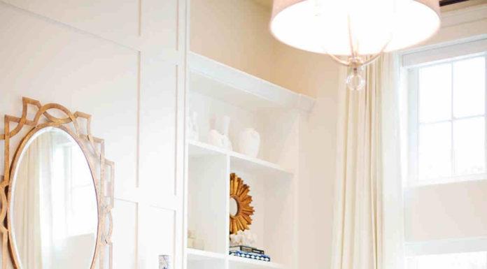 Oryginalny sposób na dekorację wnętrza - lustro glamour