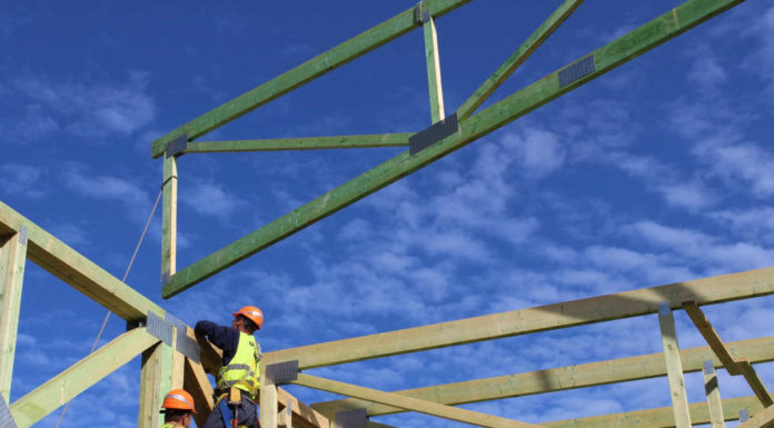 Czym są drewniane konstrukcje prefabrykowane i jakie są ich zalety w budownictwie