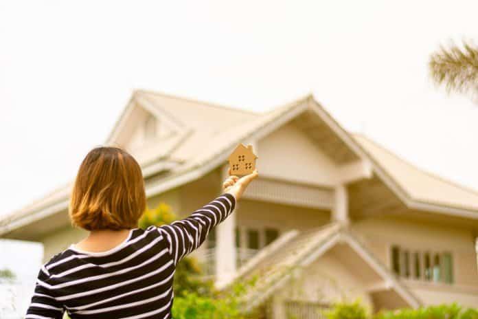 Projekt domu skrojony na miarę możliwości - jak nie przekroczyć budżetu?
