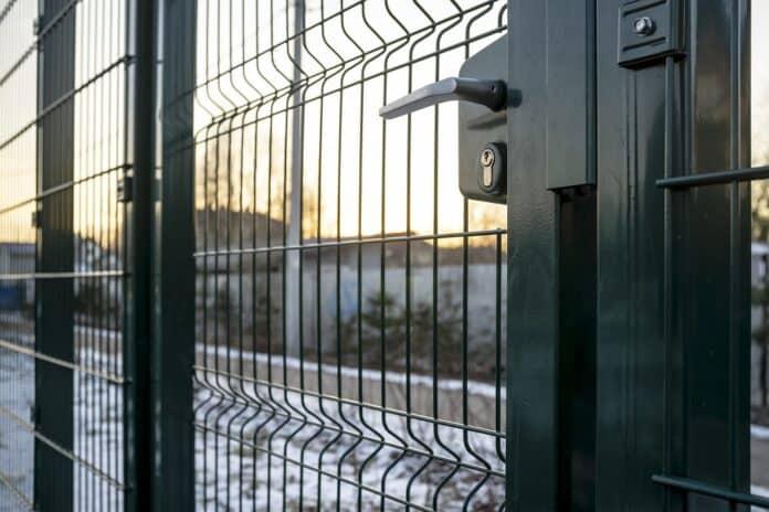 Jak wysokie powinny być ogrodzenia panelowe?